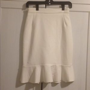 H&M Skirts - H&M WHITE PENCIL SKIRT WITH RUFFLE HEM SIZE 4